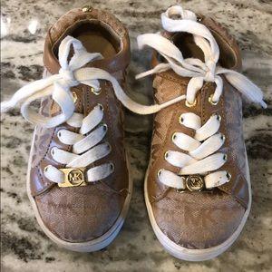 Mk girls shoe size 8